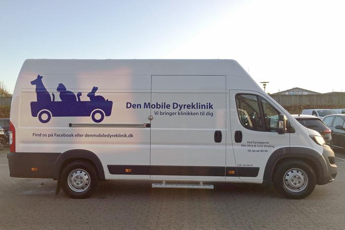 Den Mobile Dyreklinik er mere end en ambulance. Den er et helt dyrehospital på hjul