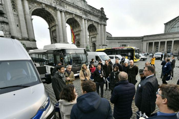 17 varebiler, lastbiler og busser var udstillet på konferencen for at vise deltagerne eksempler på forskellige alternative drivlinjer
