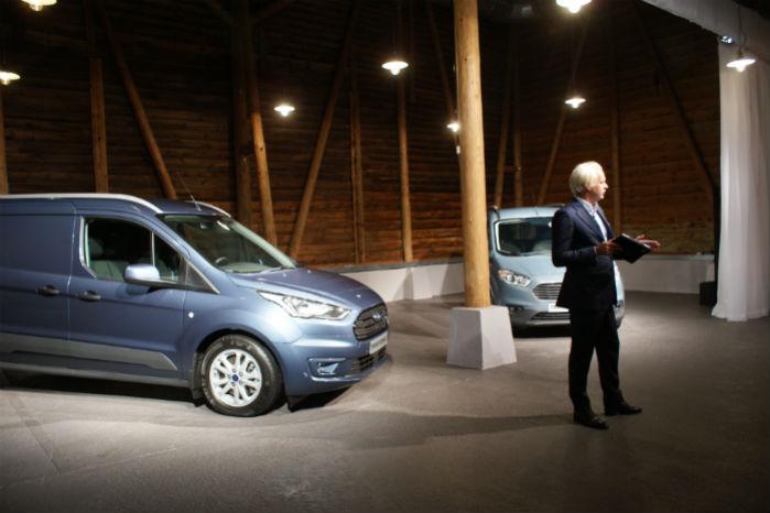 - Modellerne har fået et facelift, der gør dem både mere økonomiske og mere alsidige, sagdeHans Schep, der er direktør for Fords varebiler i Europa.