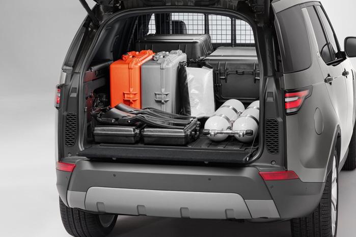 Der er lige akkurat ikke plads til en Europalle, men det er vist ikke den type bekymringer, ejerne af en Land Rover Discovery Commercial gør sig