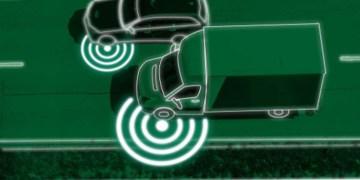 Autonomi er en større udfordring for varebiler end for personbiler, hedder det i rapporten. Illustration fra rapporten af Montagebureauet aps/Ulrik Jantzen
