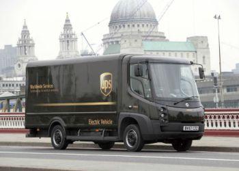 UPS har i øjeblikket 65 el-drevne pakkebiler i London, men hævder med den nye teknologi at kunne konvertere hele flåden til eldrift. Foto: UPS