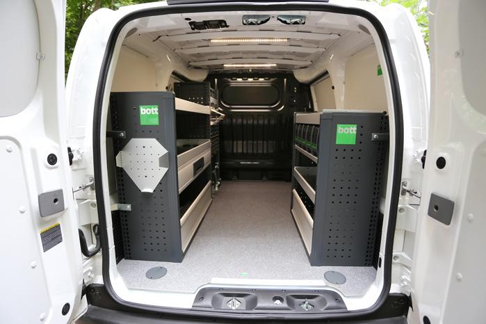 Nissan e-NV200 er i 2018 en rigtig varebil med rigtig rækkevidde og måske med Bott-indretning