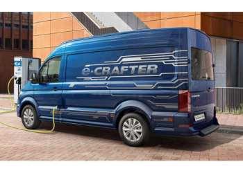 VW eCrafter med 3,5 tons totalvægt har en nyttelast på 975 kg, mens den dieseldrevne 3,5-tonner må laste op til 1240 kg