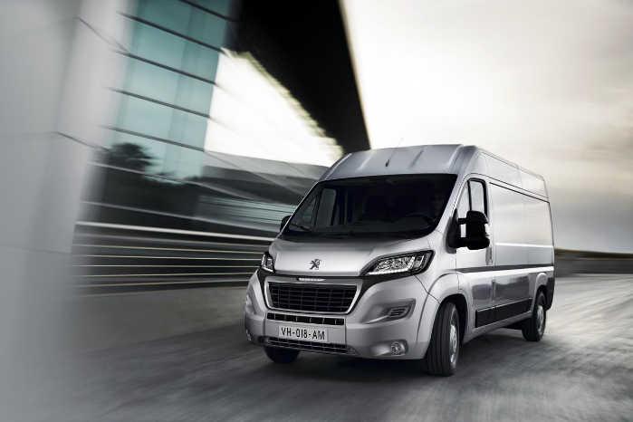 Peugeot Boxer og dens to søstermodeller får Euro 6D-motorer og lidt mere sikkerhed. Foto: Peugeot