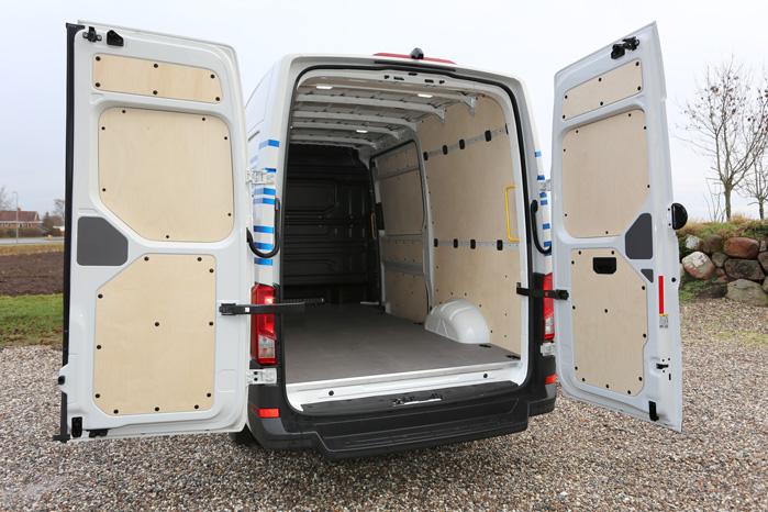 Selv med batterier under gulvet er der højt til loftet i e-Crafter