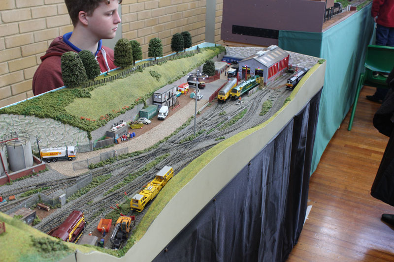 The OO BR Diesels of Rooksbury Hollow