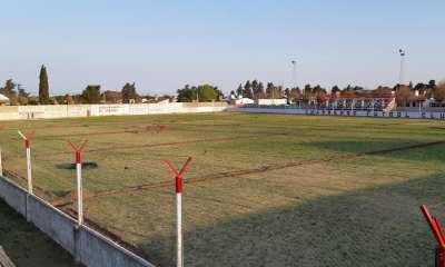 Charrense F.C. concluyó su sistema de riego en el estadio.