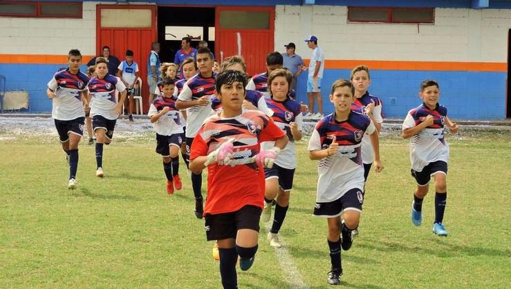 Las categorías infanto juveniles vuelven a entrenar en Coronel Moldes.