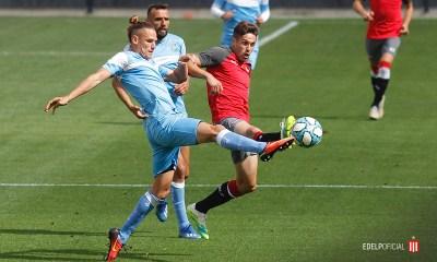 Estudiantes juega en La Plata ante su homónimo.