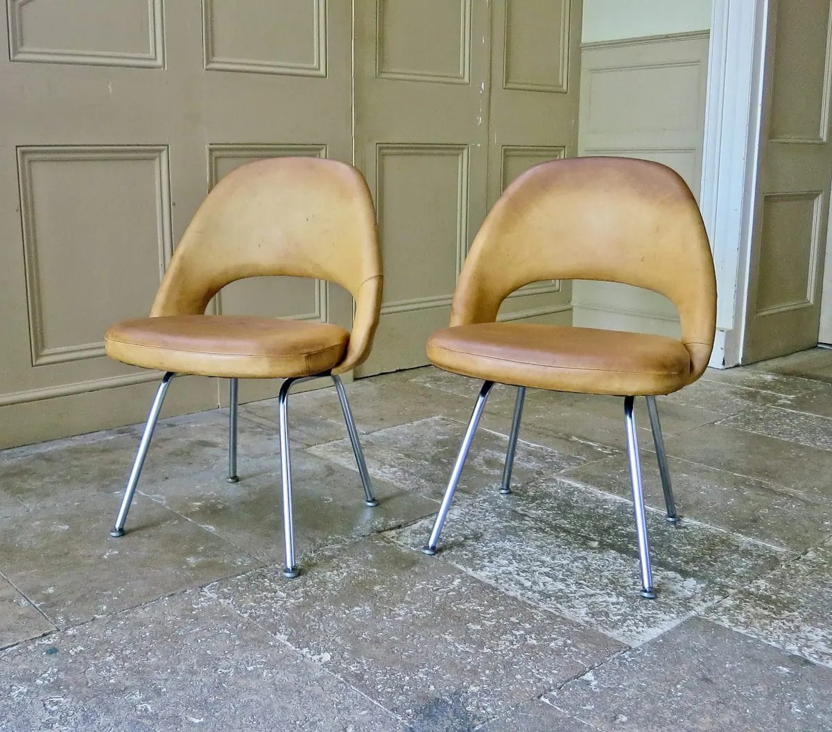 knoll saarinen chair solid wood childrens table and chairs eero vintage executive alto stile