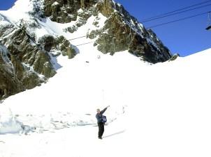 3 Le 26 Mai 2013, dernier virage avant le col, 2080 m., (Ph. JS.Gion)