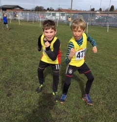 U9s win medals at Ashton XC