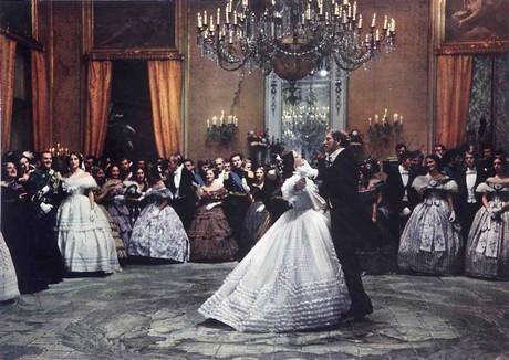 Claudia Cardinale et Burt Lancaster dans la fameuse scène du bal du Guépard (1963), tournée dans le Palais Gangi