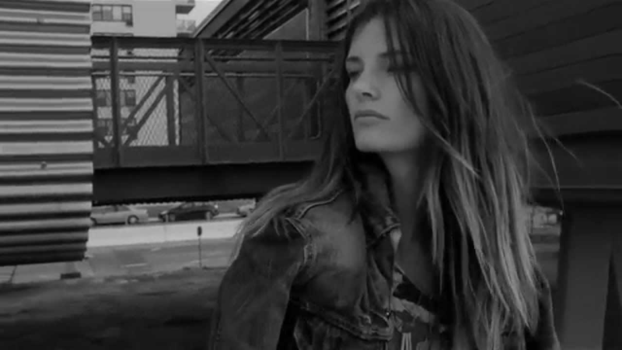 Black Coast – TRNDSTTR ft M. Maggie