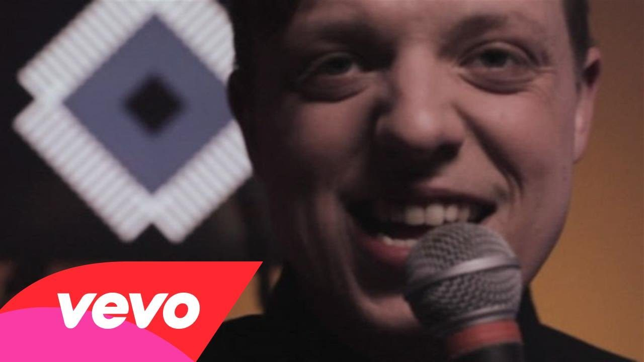 Robert Delong – Long Way Down