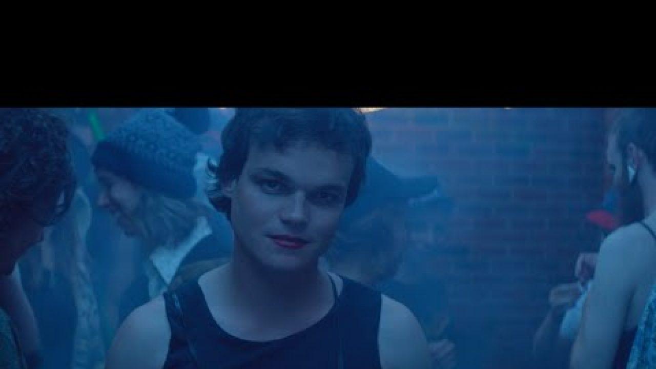 Hayden Calnin – White Night