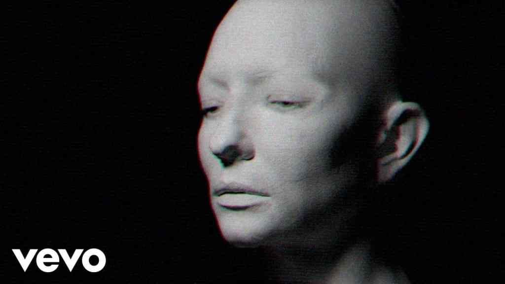 Massive Attack – The Spoils (featuring Hope Sandoval)