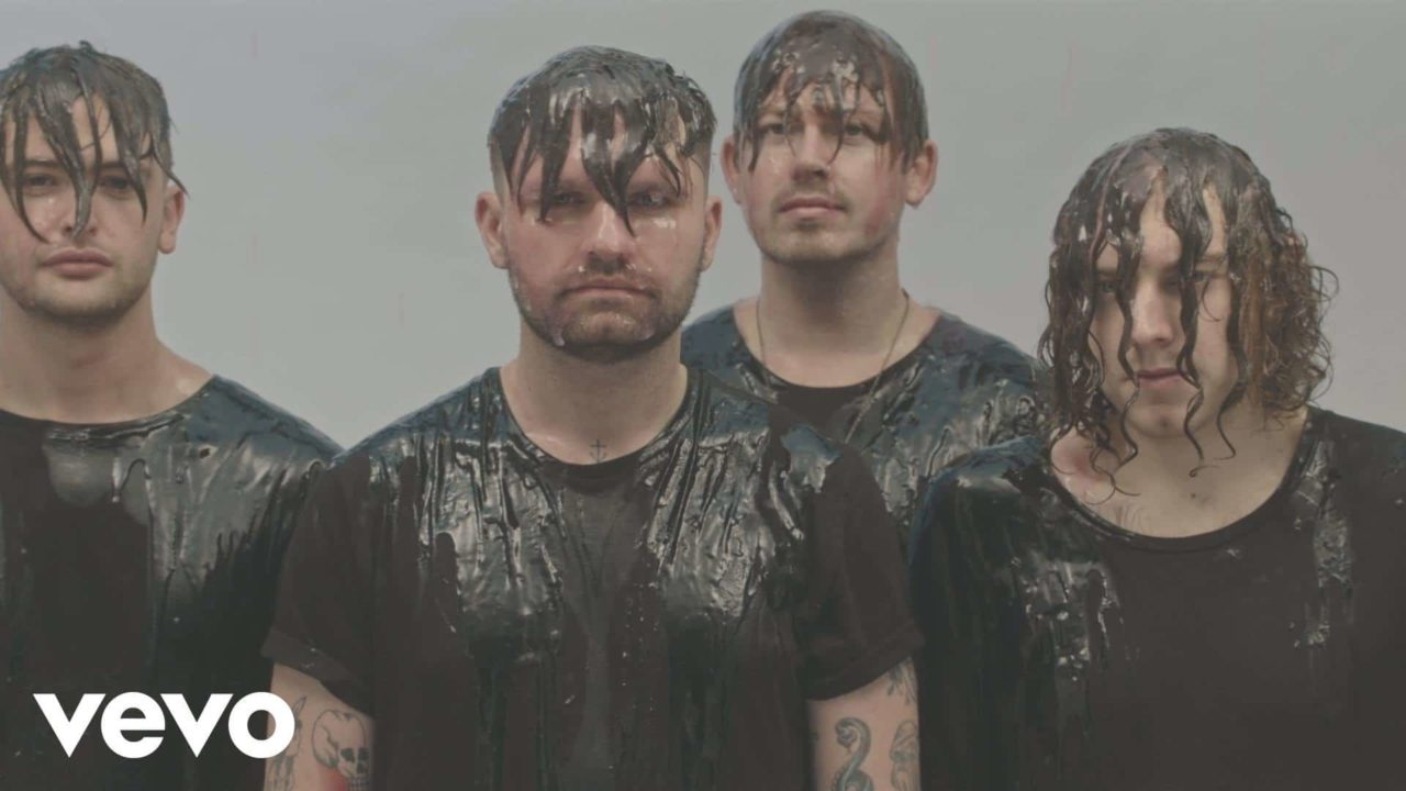 Lower Than Atlantis – Words Don't Come So Easily