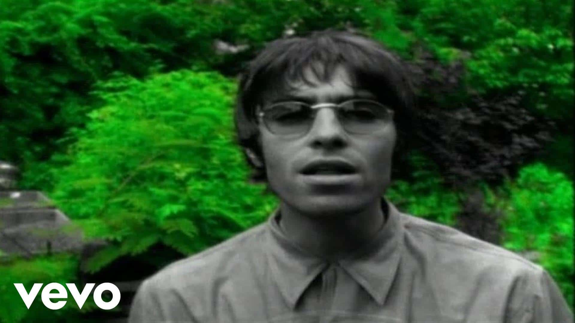Oasis – Live Forever
