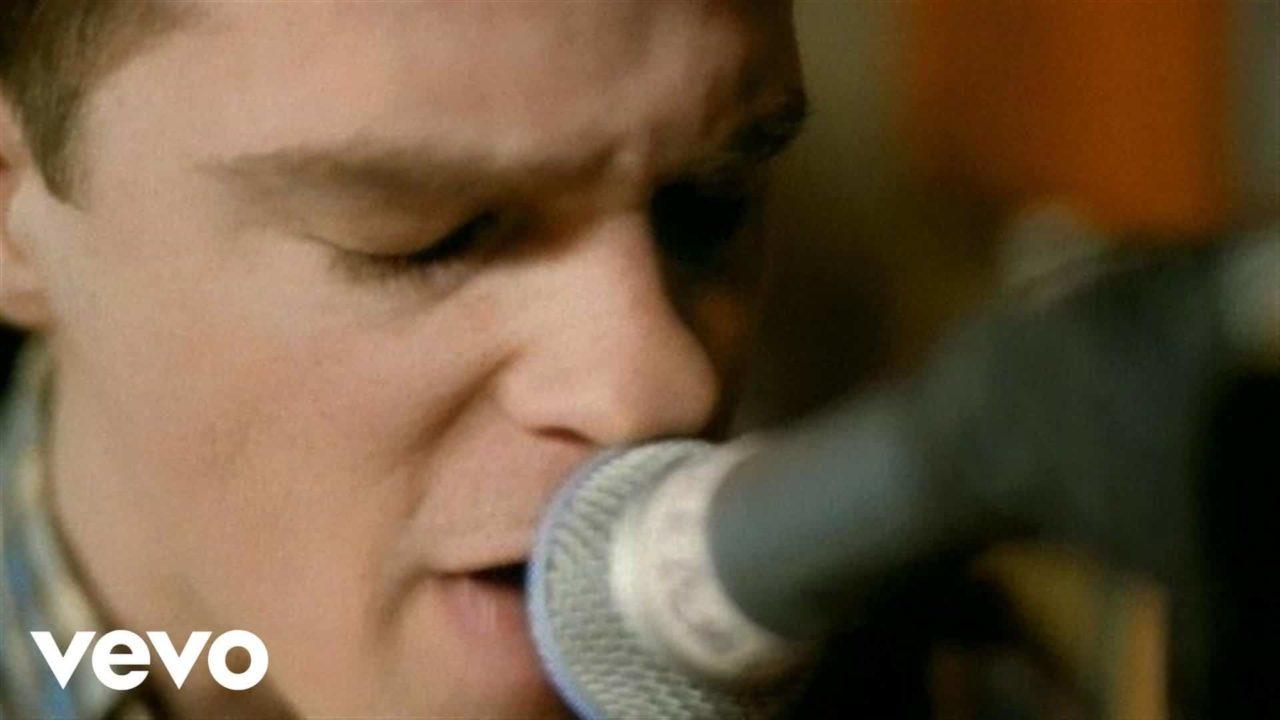 Weezer – Say It Ain't So