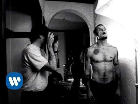 Red Hot Chili Peppers – Suck My Kiss