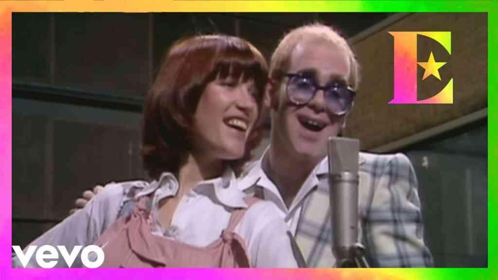 Elton John – Don't Go Breaking My Heart Feat. Kiki Dee