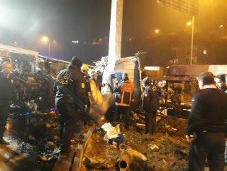 Ankara'da tır devrildi: 1 ölü