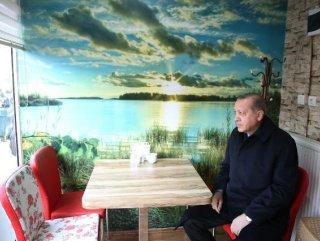 Erdoğan börekçide vatandaşlar ile sohbet etti