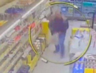 Hırsızın rahatlığı kameralara yansıdı