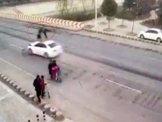 Çin'de cinayet gibi kaza güvenlik kamerasında