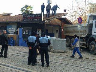 İzmit Halkevi'nde dükkanlar yıkılıyor