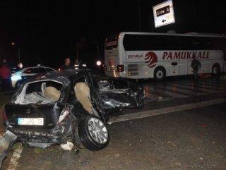 Antalya'da yolcu otobüsü ile otomobil çarpıştı: 1 ölü