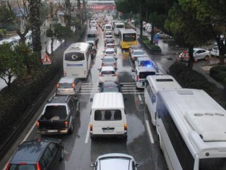 Aydın'da trafik yoğunluğu ciddi boyutlara ulaştı