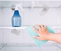 汚れと臭いを撃退! 夏までに終わらせたい冷蔵庫掃除のポイント