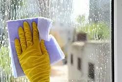 事故を未然に防ぐために「2階の窓」を安全に掃除する方法3つ