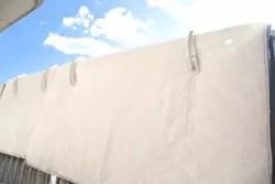 冬は要注意! 布団を干すのに最適な時間や干し方とは?