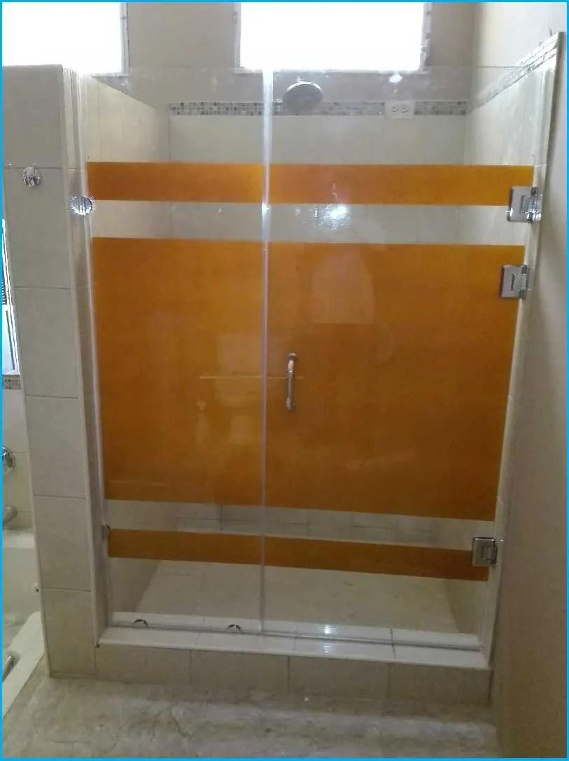 12 ejemplos de cuartos de ba o con ducha peque os y los - Duchas modernas para banos ...