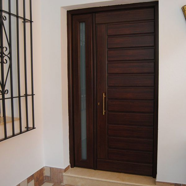 Puertas residenciales  Aluminios Guti
