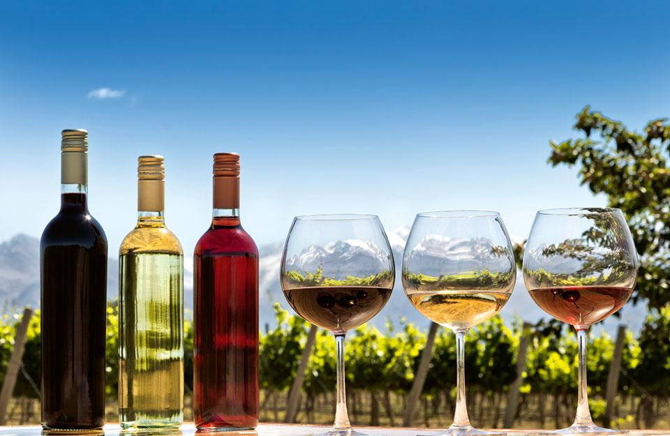 Allt fler vinmakare går över till skruvkork i aluminium