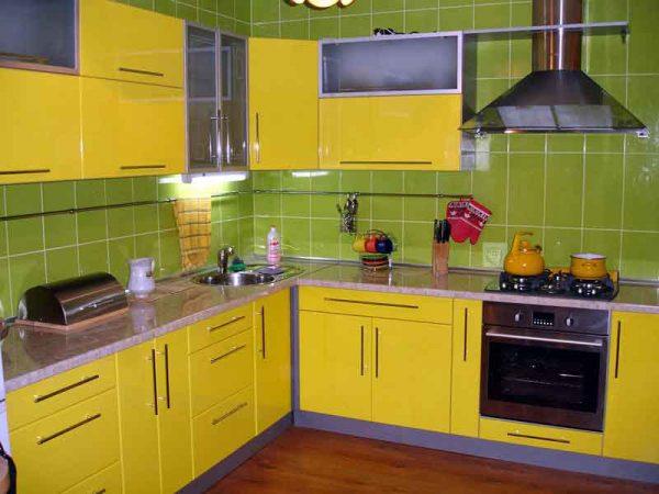 انواع مطابخ الوميتال باللون الاصفر الكنارى