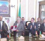 """""""جامعة القاهرة"""" تكرم وزير العدل فالح العزب وسط كوكبة من الأساتذة والعلماء"""