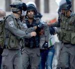 """إسرائيل تعتقل ثلاثة فلسطينيين وتفتش منزل منفذ عملية """"بيتح تكفا"""""""