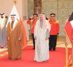 ولي عهد البحرين يصل إلى البلاد في زيارة رسمية