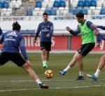 ريال مدريد يواجه إسبانيول .. وبرشلونة يسعى لنسيان كارثة سان جيرمان في الجولة الـ 23 من الليغا