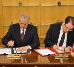 تونس والجزائر توقعان اتفاقيات لتعزيز التعاون الأمني والاقتصادي