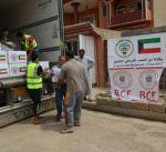 الكويت توزع 90 طنا من المواد الغذائية على النازحين في الموصل