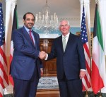 الشيخ محمد العبدالله يلتقي وزير الخارجية الامريكي