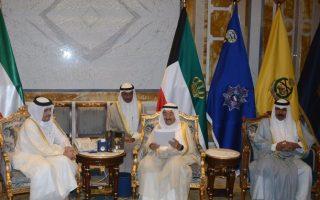 سمو الأمير يتسلم رسالة خطية من أخيه أمير دولة قطر الشقيقة