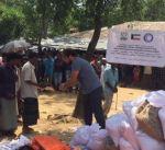 """الهلال الأحمر يوزع مساعدات على لاجئي """"الروهينغيا"""" في مخيمات بنغلاديش"""